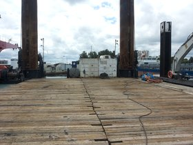 3,000 tons pile driving pontoon